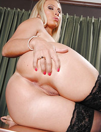 tumblr amateur nude wife big breasts